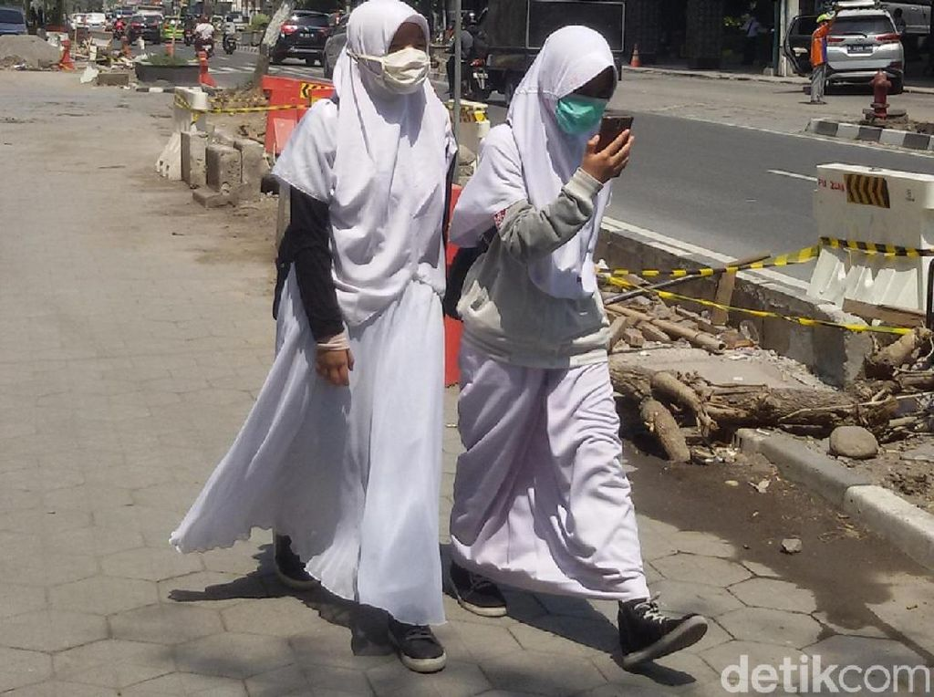 Yogyakarta Hujan Abu Merapi, Amankah Bersepeda?