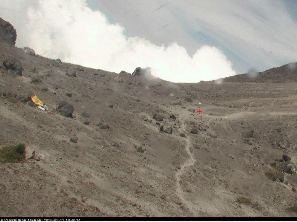 Gunung Merapi Alami Letusan Freatik, 160 Pendaki Dievakuasi