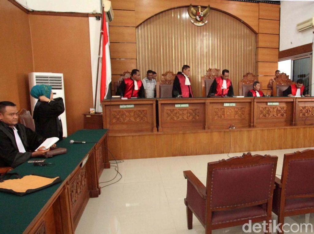 Sidang Teroris Bom Thamrin Ditunda