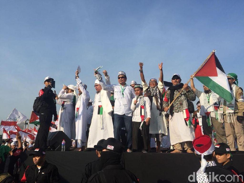 FPI Bahas 2019 Ganti Presiden dari Panggung Aksi Bela Palestina