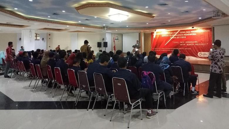 Kemenpora Lepas Kelulusan 52 Siswa SKO Ragunan