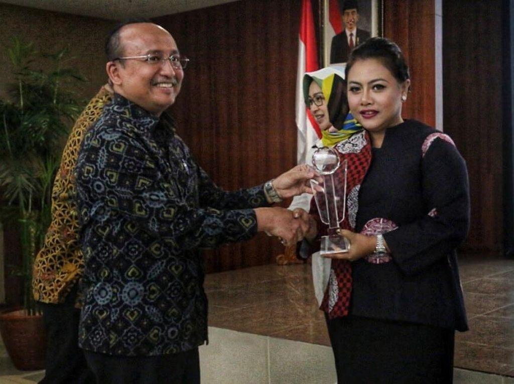 Penghargaan untuk Pemimpin Wanita Terbaik
