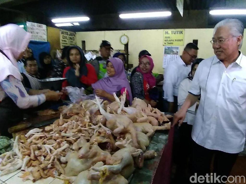 Usai Rapat Pangan, Mendag: Harga Daging Ayam Turun