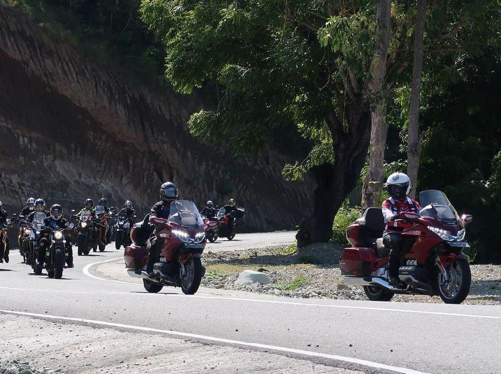 Honda Gold Wing Diajak Touring Ratusan Km di Timur Indonesia