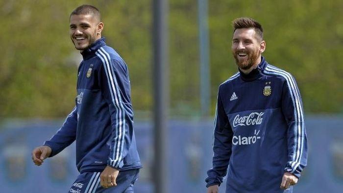 Mauro Icardi dan Lionel Messi saat berlatih bersama di Timnas Argentina tahun lalu. (Foto: Alejandro Pagni/AFPFoto: Alejandro Pagni/AFP)