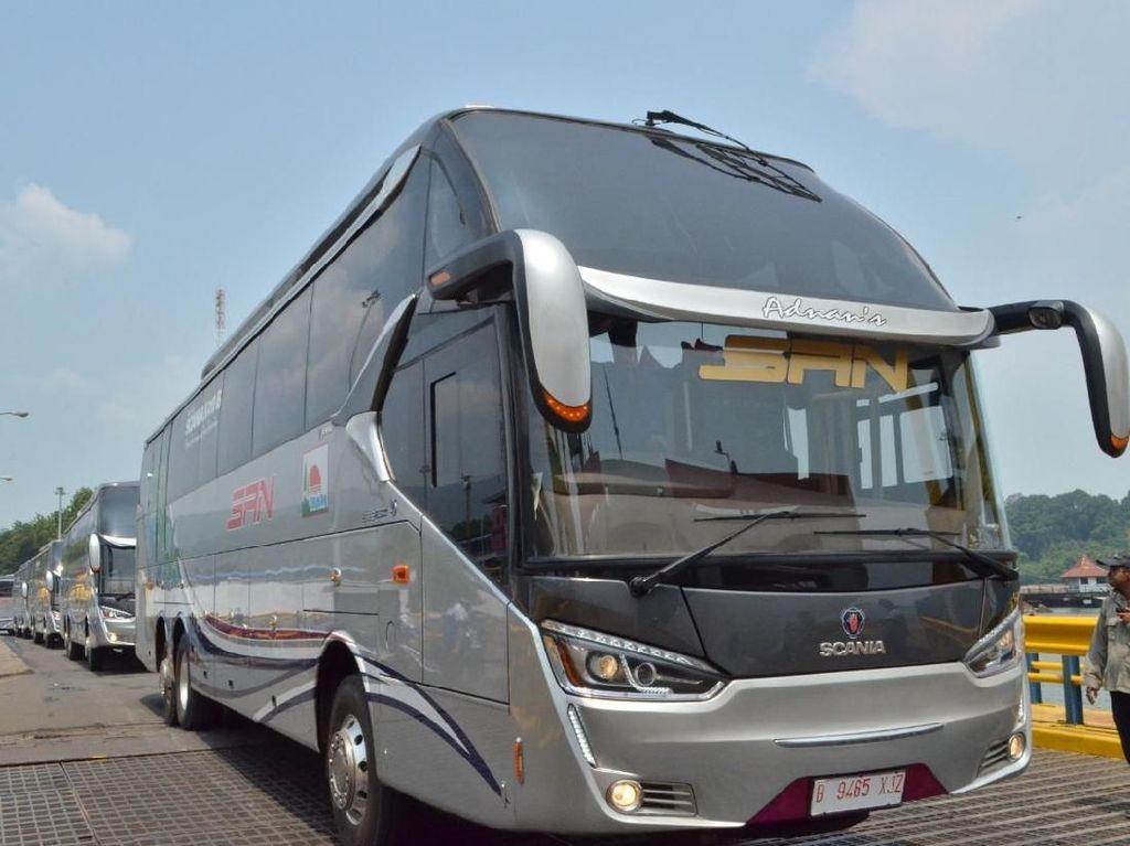DP Kendaraan 0 Persen Bikin Orang Ogah Naik Angkutan Umum