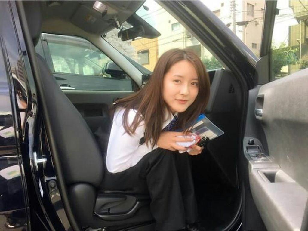 Terpana dengan Supir Taksi Paling Cantik di Jepang, Bikin Pria Tak Berkedip