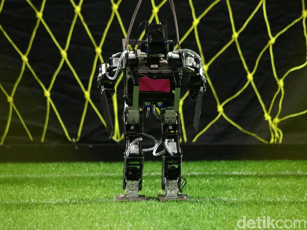 Kontes Robot Indonesia Tingkat Nasional 2021: ITS Juara Umum