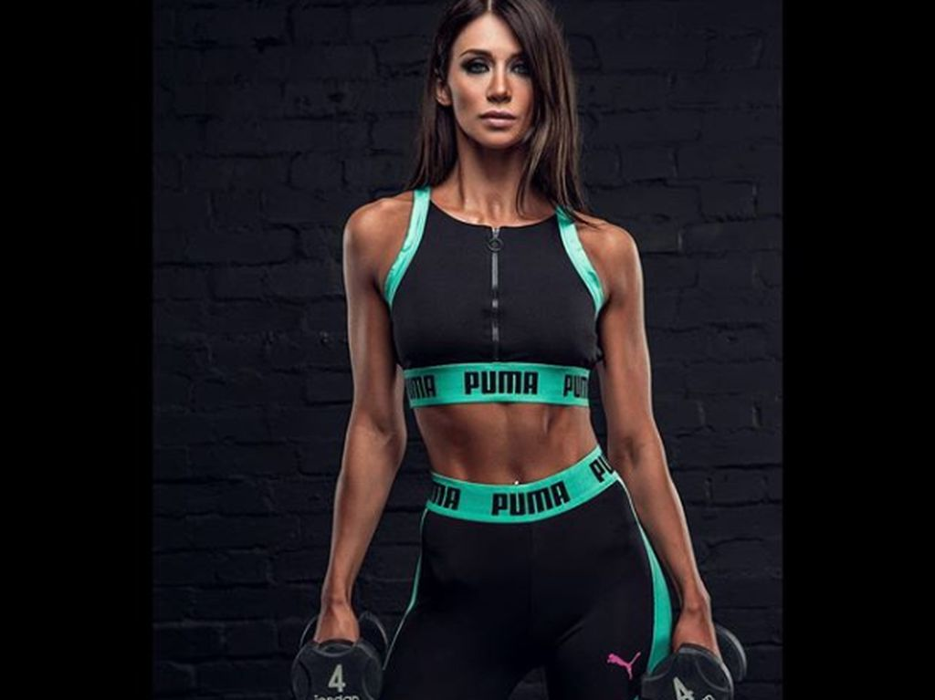 Otot Kekar Amelia Tank, Pegawai Bank yang Juga Bodybuilder