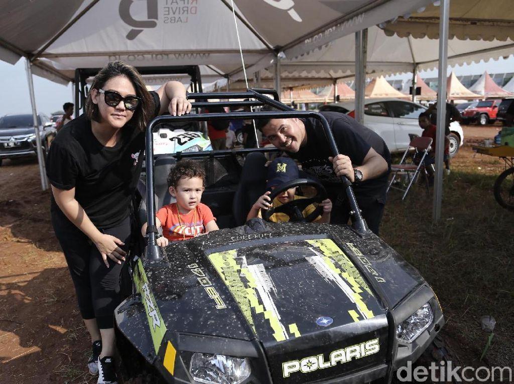 Sissy Priscillia dan Rifat Belikan Mobil Rally untuk Anak