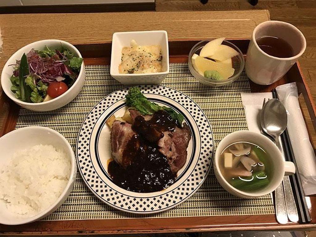 Bikin Iri! Begini Nih 10 Makanan Enak Buatan Rumah Sakit di Jepang