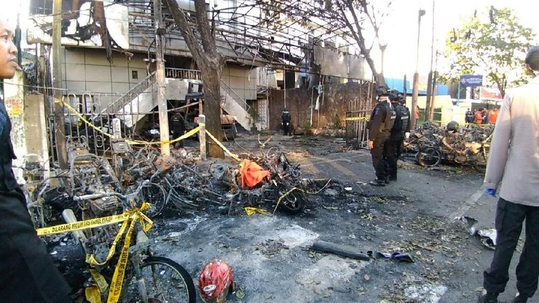 Tidak Takut, Yesaya Halangi Pengebom Gereja GKI Surabaya