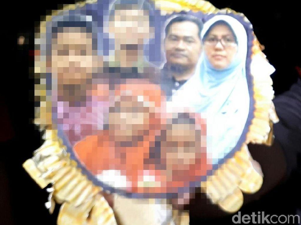 Sehari Sebelum Bom Gereja Surabaya, Anak Dita Menangis di Musala