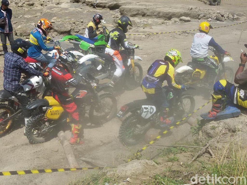 Ratusan Motor Trail Adu Tangguh Taklukkan Medan Ekstrem Sultra