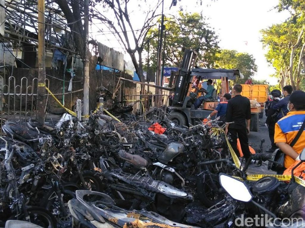 Tangkap 5 Anggota Teroris Surabaya, Polisi Temukan Bom Pipa