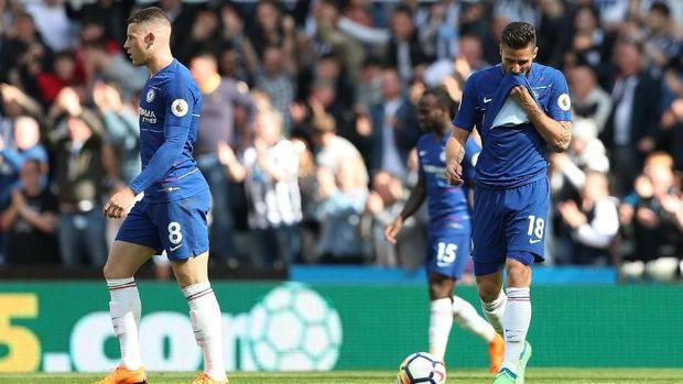 Chelsea dikalahkan Newcastle United 0-3 di St James Park.