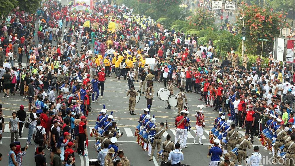 Antusiasme Warga di Parade Karnaval Asian Games 2018