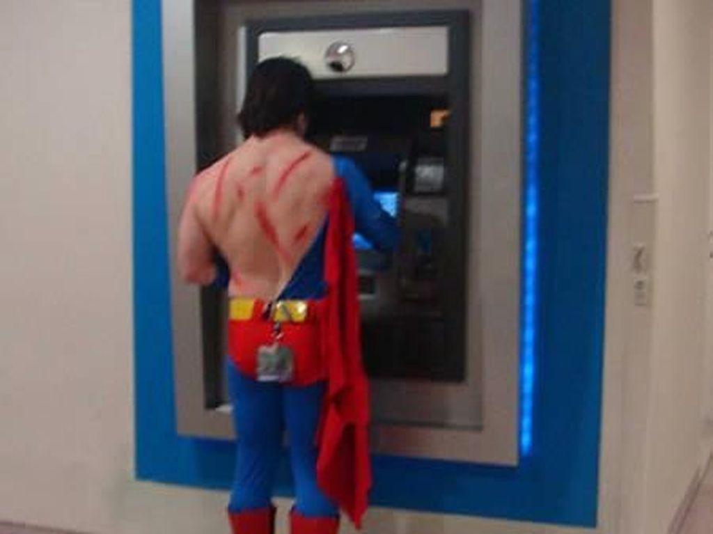 Fakta! Mesin ATM Ternyata Sama Joroknya dengan Dudukan Toilet Umum