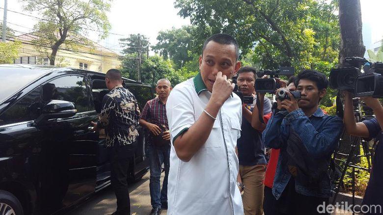 Sekjen Parpol Pendukung Jokowi Merapat ke Rumah Dinas Wiranto