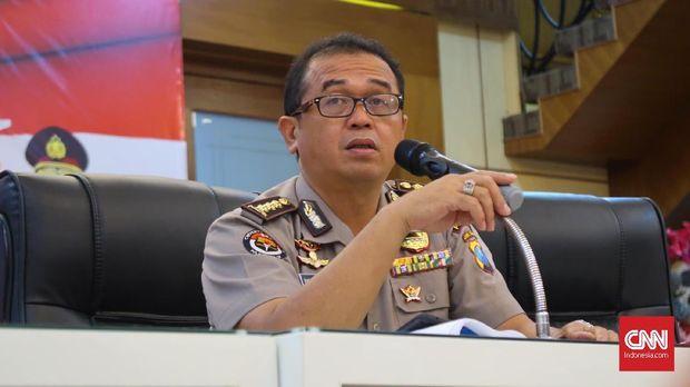 Kabid Humas Polda Jawa Timur Frans Barung Mangera, Senin (14/5).