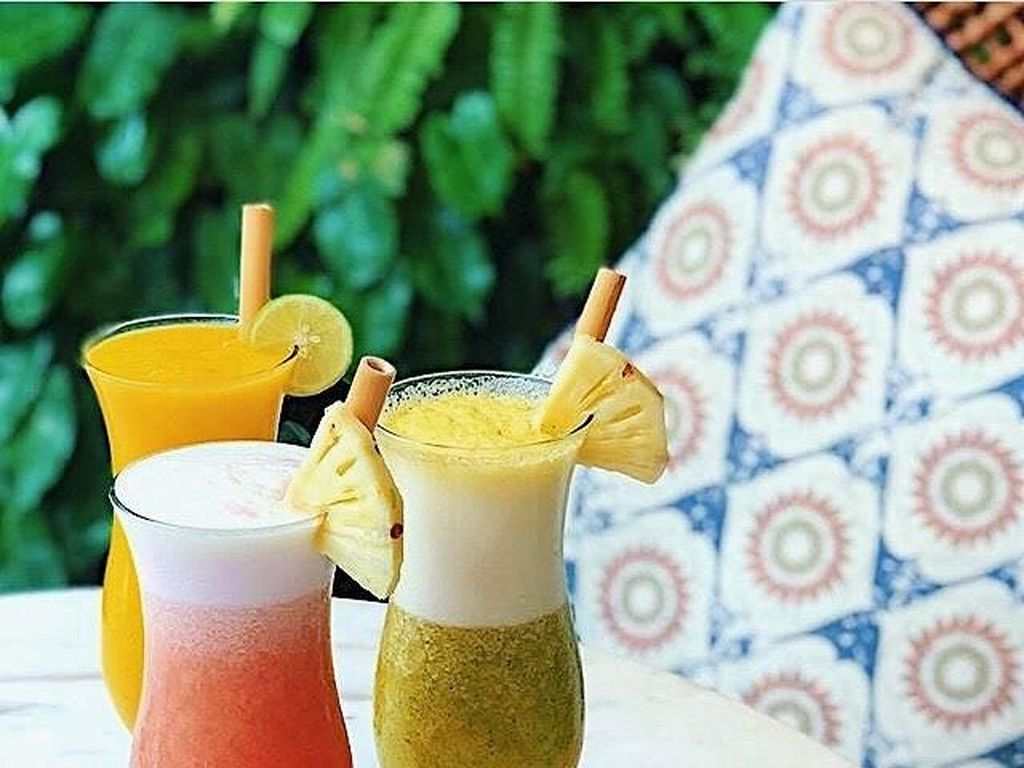 Indonesia Banget! Sensasi Makan dan Santai di Restoran Bertema Batik