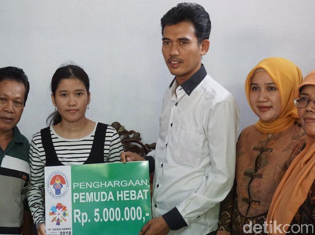 Bangganya Fera, Lolos SBMPTN dan Terima Penghargaan Kemenpora