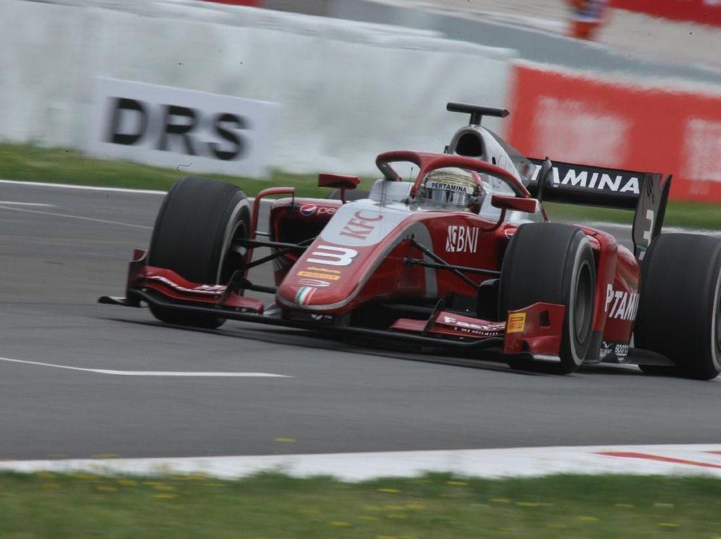 Sean Gelael Finis Keenam di Sprint Race Barcelona