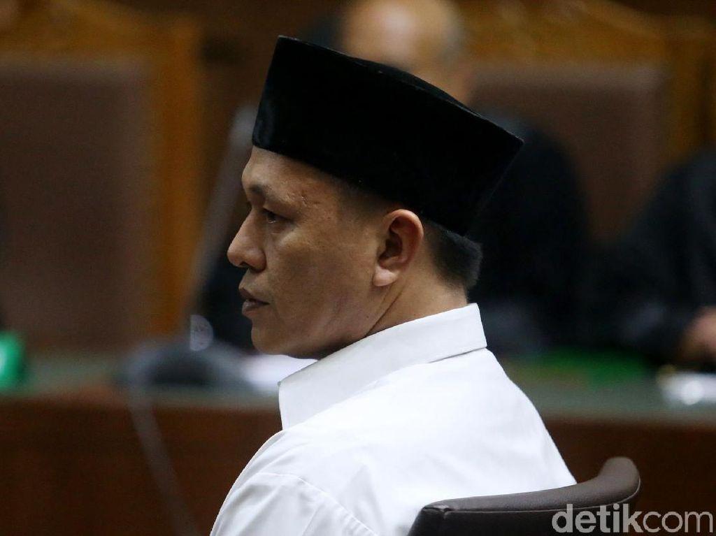 Bupati Lampung Tengah Mustafa Mulai Diadili