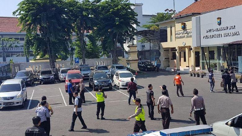 Polrestabes Surabaya Dibom
