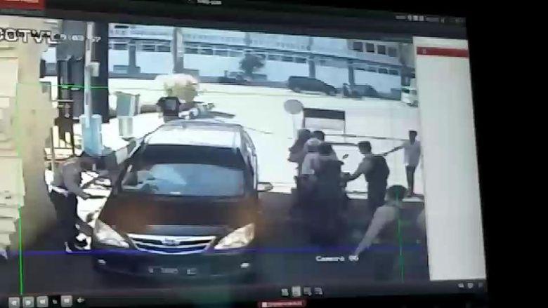 Anak Bomber Polrestabes Surabaya yang Selamat Tak Disabuki Bom