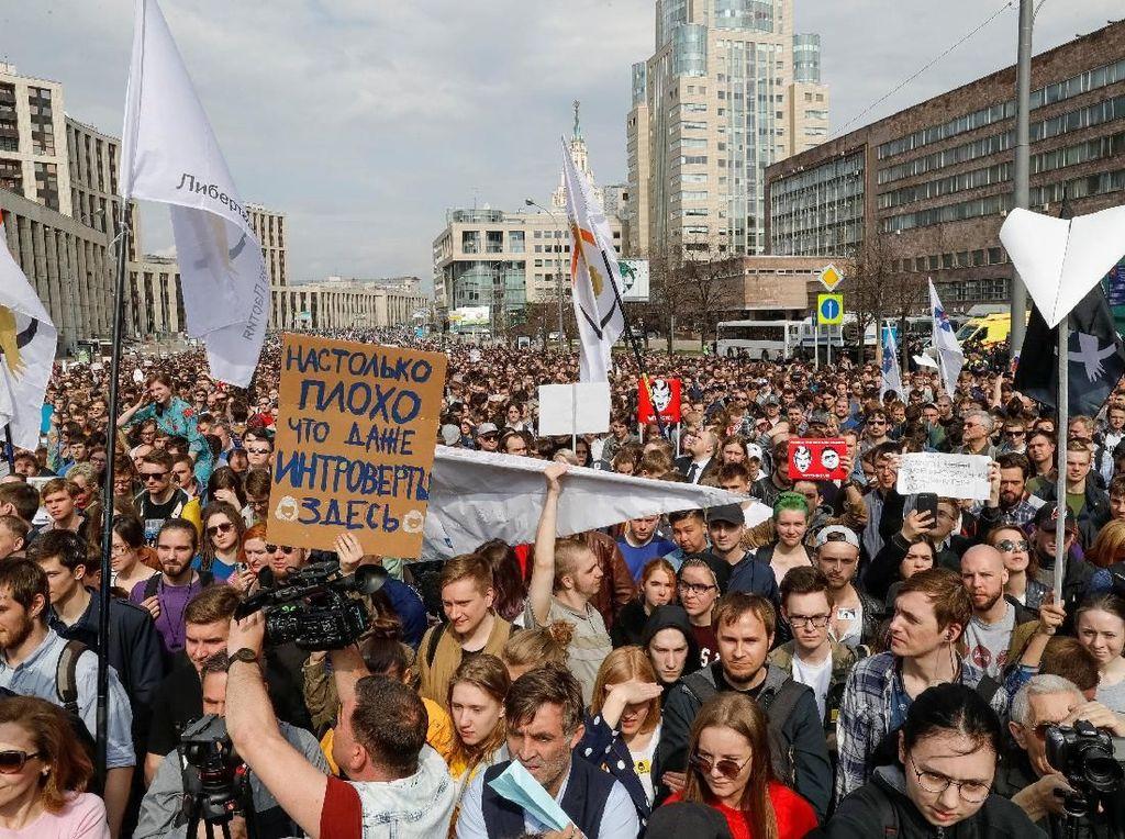 Warga Rusia Demo Pemblokiran Telegram