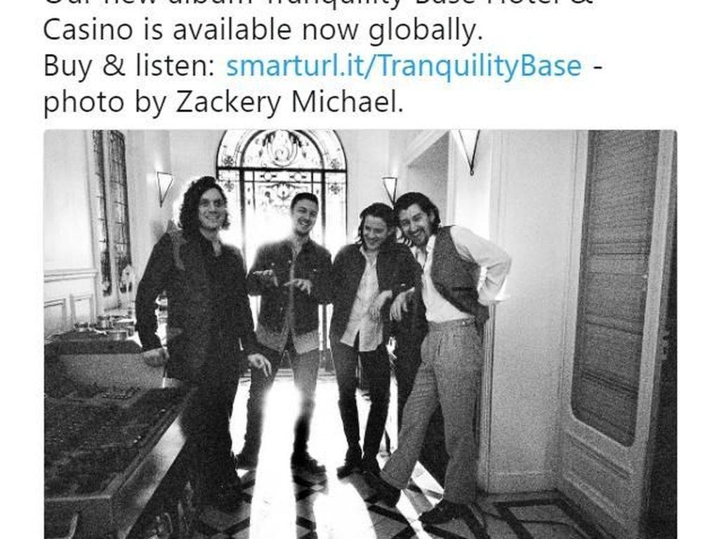 Rilis Album Baru, Arctic Monkeys Jadi Bulan-bulanan Meme