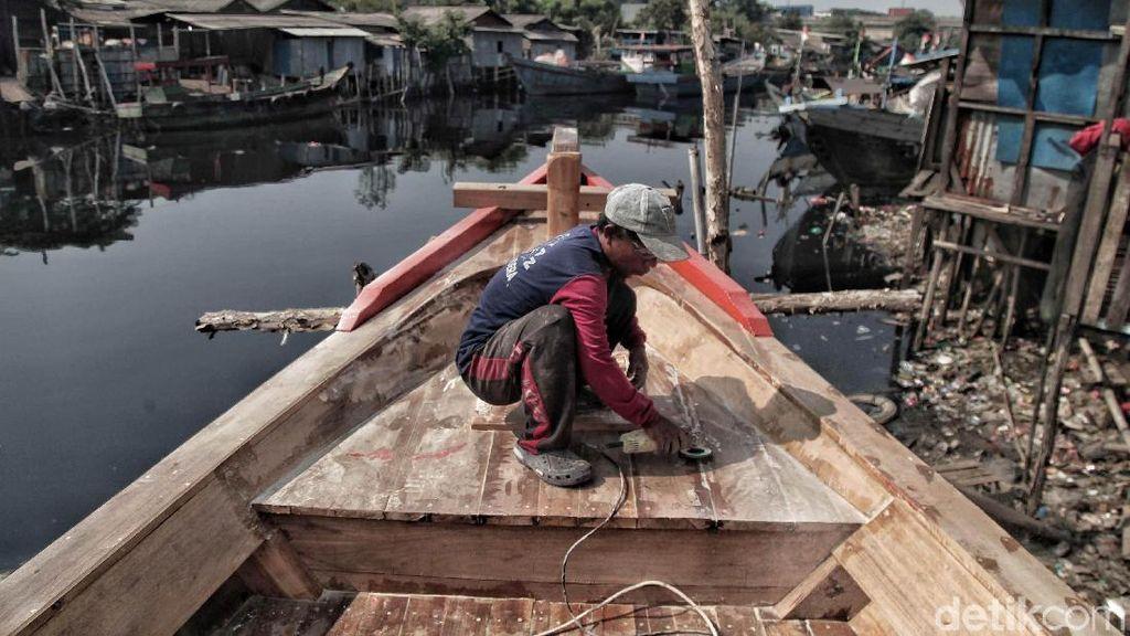 Melihat Uniknya Proses Pembuatan Kapal Nelayan di Jakarta