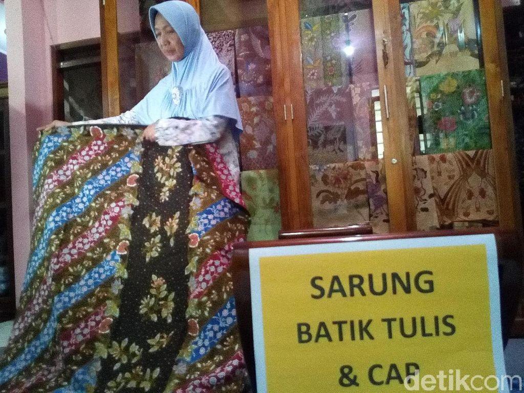 Mengintip Sarung Batik Kudus yang Jadi Idaman saat Ramadan