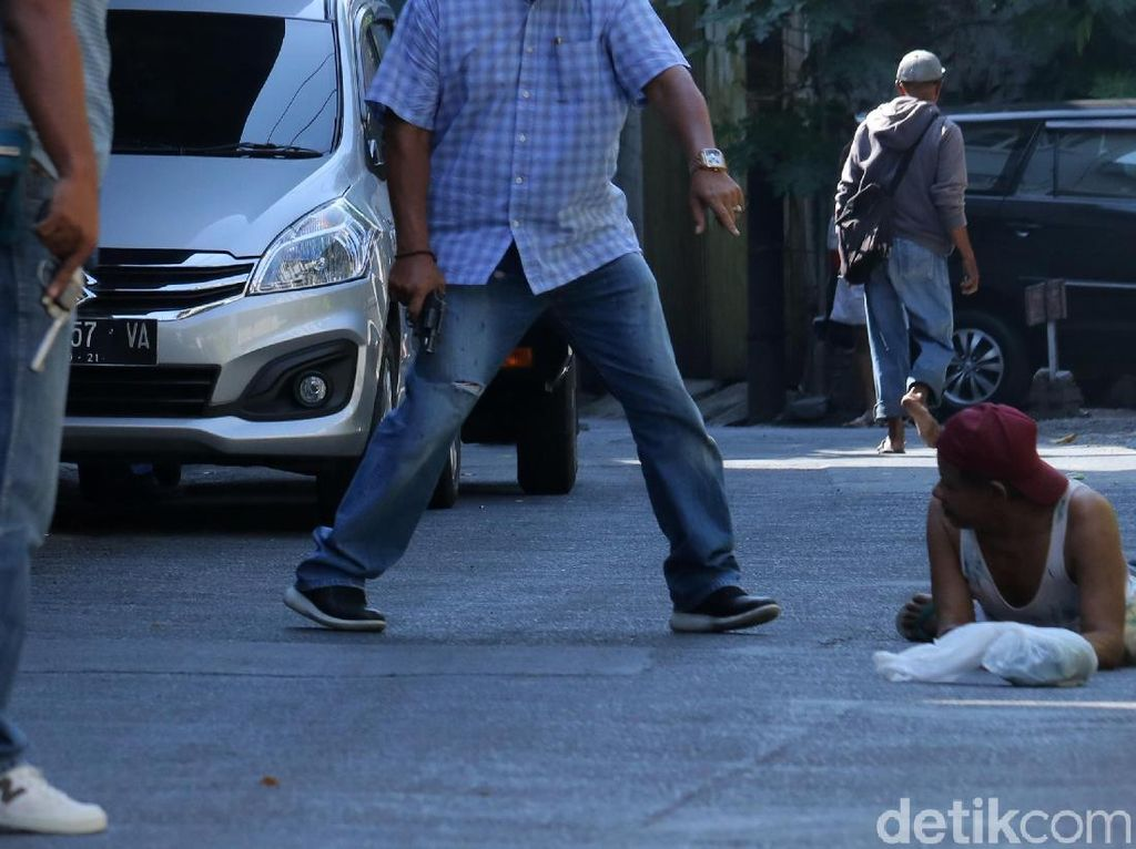Polisi Periksa Sejumlah Warga Pasca Bom Polrestabes Surabaya