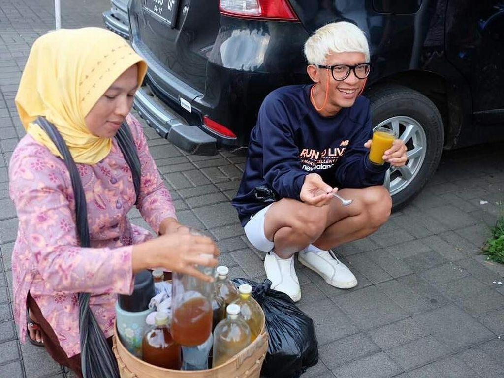 Selain Pasta dan Seafood, Aming Juga Suka Minum Jamu Lho!