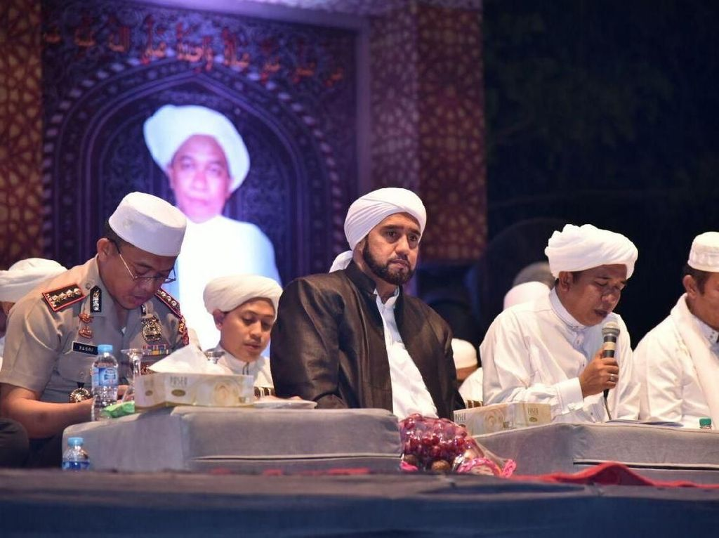 Habib Syekh dan Guru Zuhdi Kutuk Tindakan Kelompok Radikal
