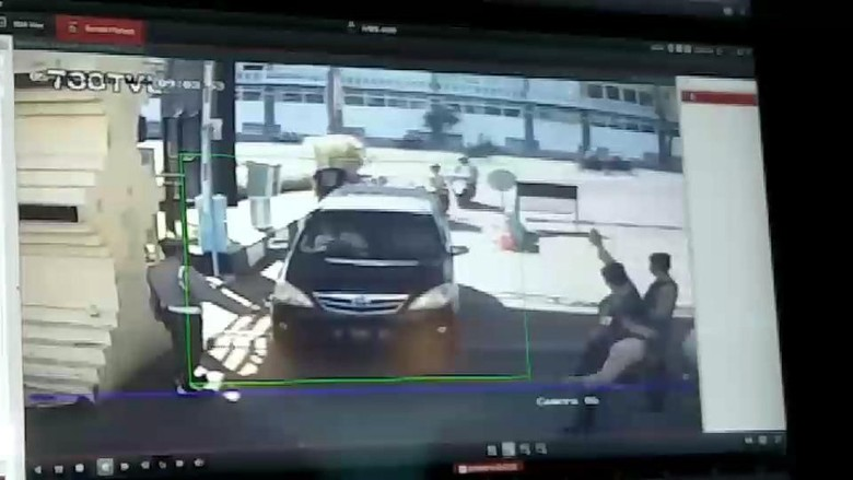 Pelaku Bom di Mapolrestabes Surabaya Diduga Satu Keluarga