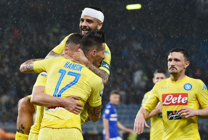 Napoli mengalahkan Sampdoria 2-0. (Foto: Paolo Rattini/Getty Images)