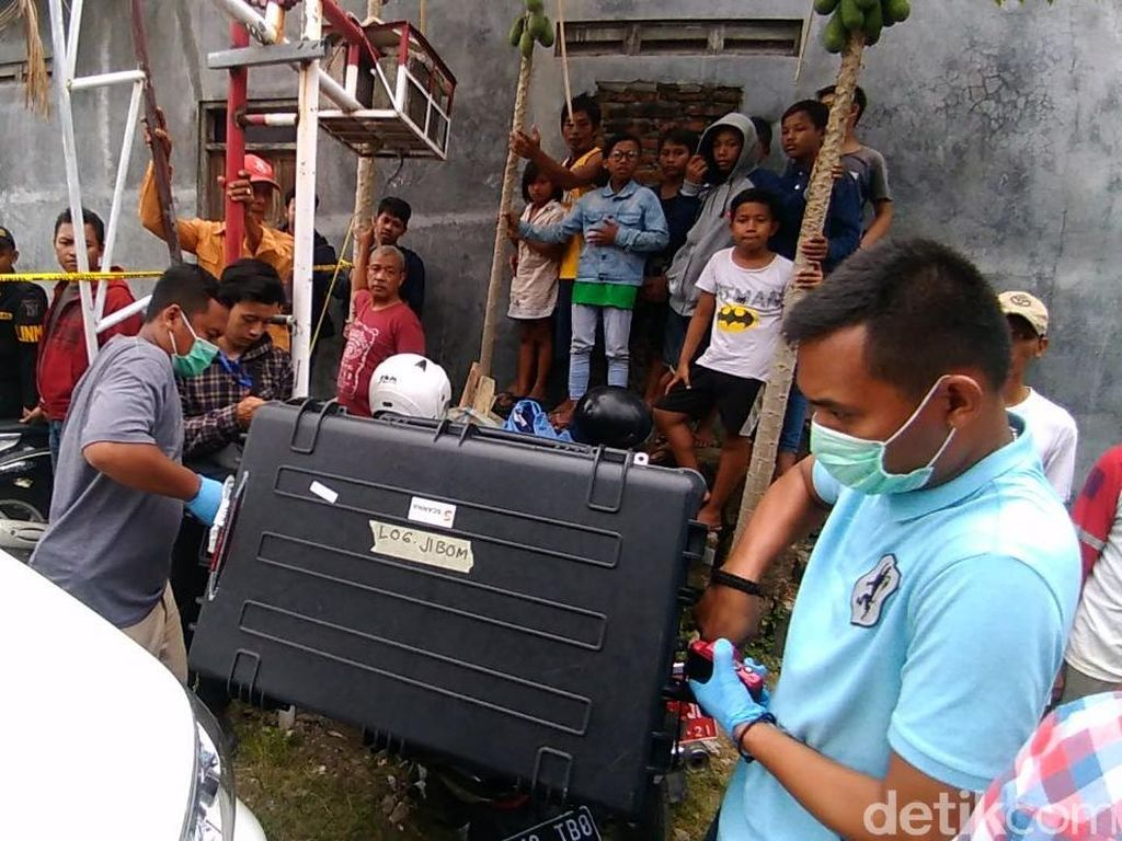 3 Bom Ditemukan di Rumah Bomber Polrestabes Surabaya Diledakkan