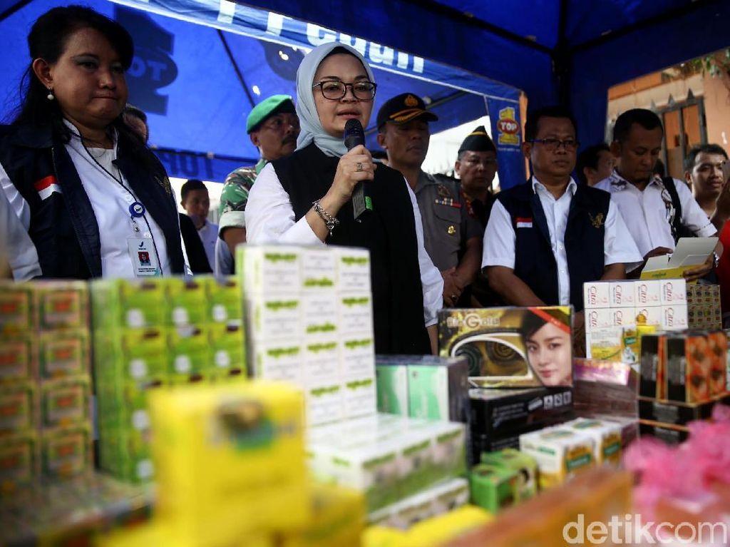 Polisi dan BPOM Gerebek Industri Rumahan Kosmetik Ilegal di Tambora