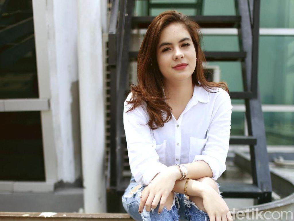 Main Koboy Kampus, Stefhanie Zamora Akhirnya Tahu Gaya Mahasiswa Era 90-an