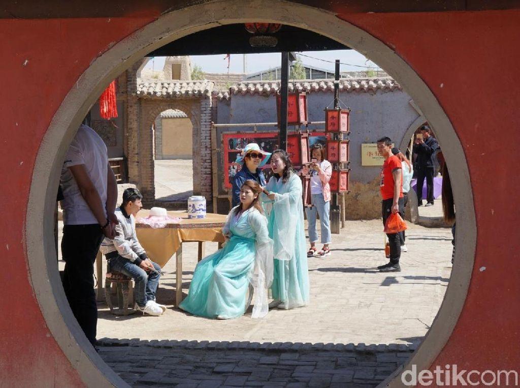 Foto: Pabrik Film-film Kolosal China