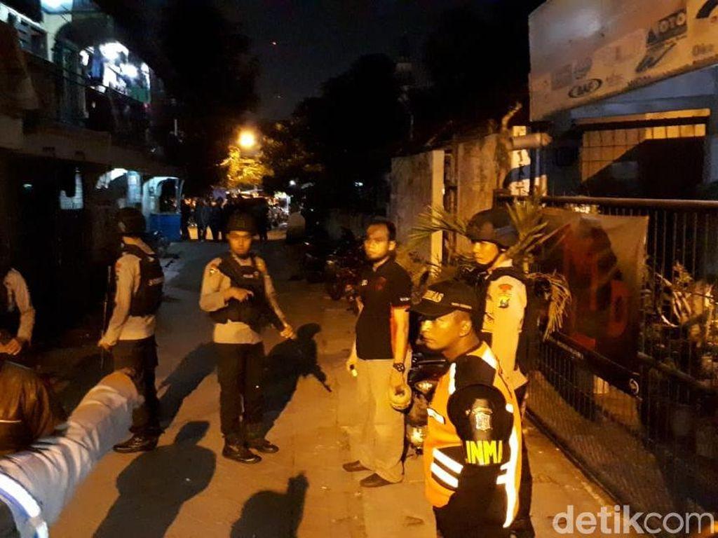 Sore Mencekam di Manukan Kulon demi Lumpuhkan 1 Teroris