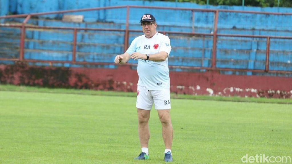 Pelatih PSM Waspadai Pemain Asing dan Naturalisasi Bali United