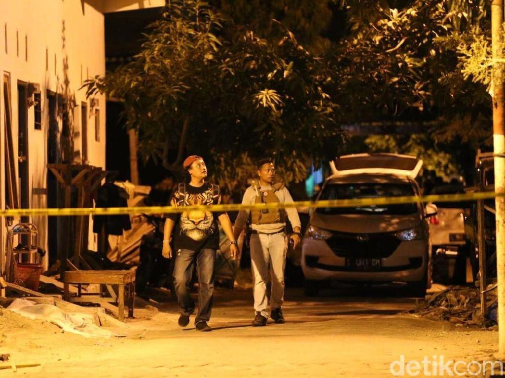 1 Teroris Ditembak Mati, Istri dan 3 Anaknya Diamankan Densus