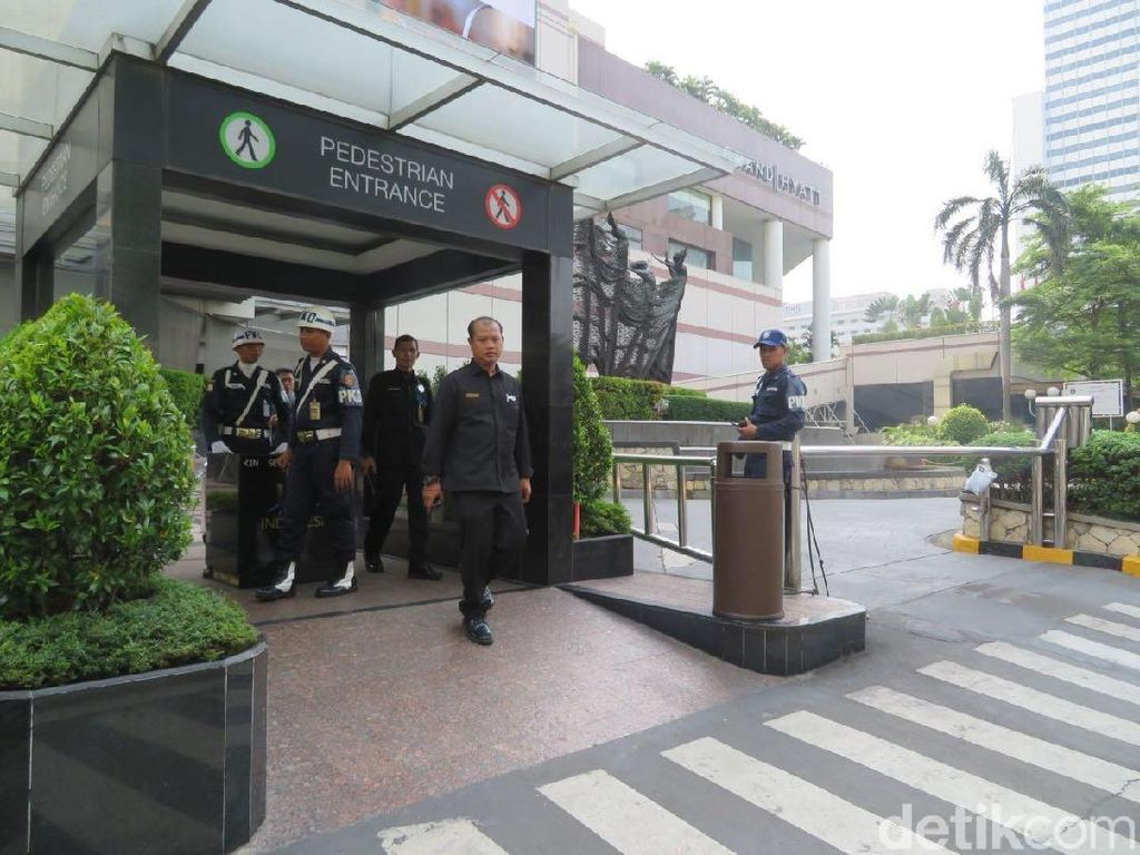 Ada Teror Bom, Petugas Keamanan Mal di Jakarta Ditambah