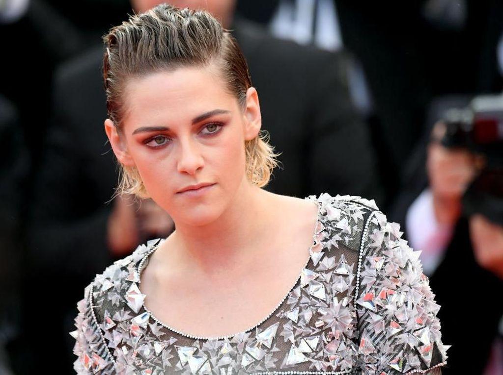 Dukung Robert Pattinson, Kristen Stewart: Dia Pemeran Batman yang Tepat