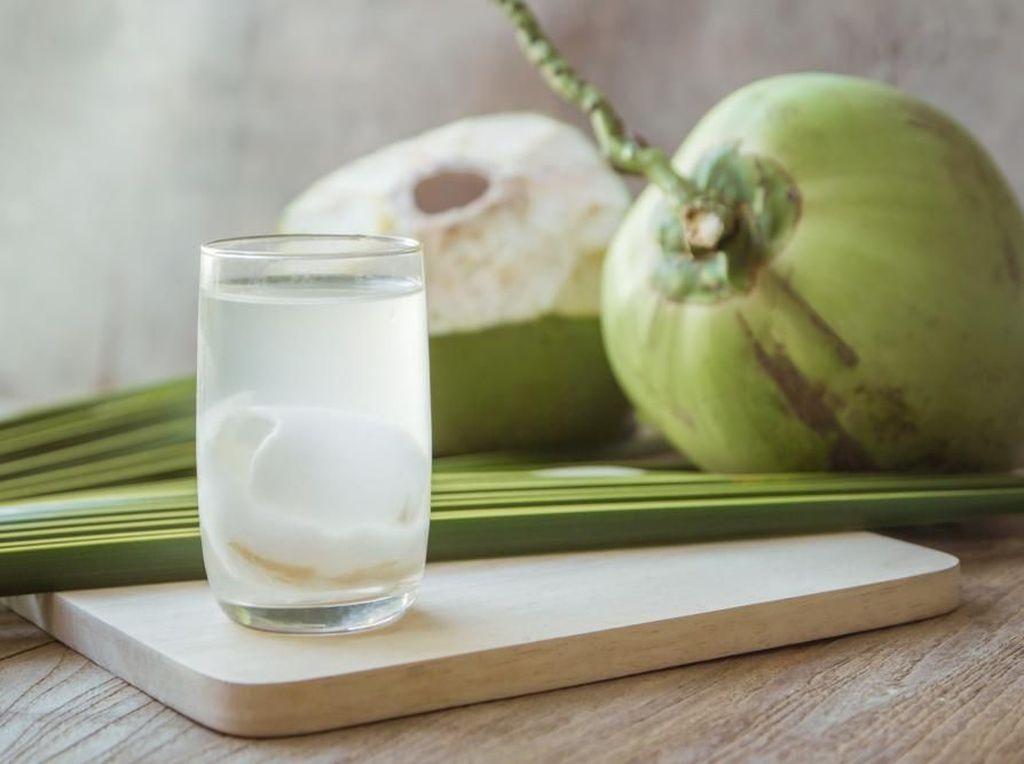 Ahli Gizi Sarankan Minum Air Kelapa Saat Buka Puasa, Ini Alasannya