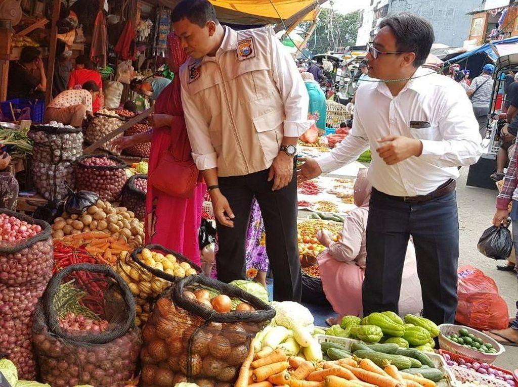 500 Polisi Pantau Pasokan dan Stok Bahan Pangan di Makassar
